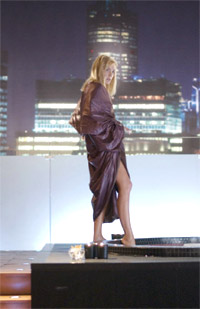 "Badende Venus anno 2006: Sharon Stone alias Catherine Tramell muss in Michael Caton-Jones' ""Basic Instinct 2"" einmal mehr als das protoypische Modell einer brandgefährlichen Femme fatale herhalten."