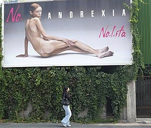 September 2007 in Mailand: Plakat des Fotografen Oliviero Toscani