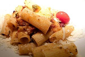 Schattenspiele: Rigatoni all'amatriciana