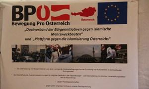 """Artikelbild: Die Ähnlichkeit des Logos der BPÖ mit dem der FPÖ ist augenscheinlich, am Donnerstag werden die """"Bürgerinitiativen"""" von rechten Parteien umgarnt. - derStandard.at/Sebastian Pumberger"""