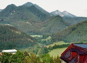 Groer Zellerhut (rechts hingen) und Mittlerer Zellerhut (links).&#xD;&#xA;Foto: Haneburger/wikipedia.org