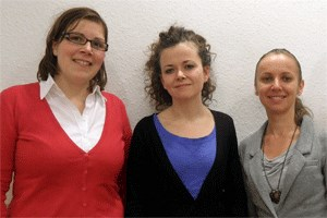 Christine Penz, Sprecherin der Volkshilfe Wien; Jenny Kuhn, Junge Volkshilfe, Projektleiterin JUNA; Jana irov, Beraterin FLATworks Integrationswohnungen, interne Koordination des Projekts JUNA. (v.l.)