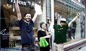 Die Gewinner der ersten &quot;Greenskate&quot;-Rallye vor dem Pop-Up-Store