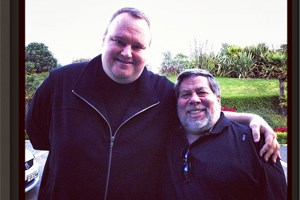 Auf seinem Instagram Account postet Kim Dotcom ein Foto von sich mit Steve Wozniak