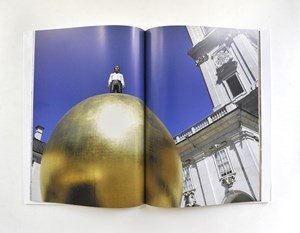 Salzburg Foundation, &quot;Kunstprojekt Salzburg. Moderne Kunst auf alten &#xD;&#xA;Pltzen&quot;.  29,90 / 72 Seiten, Brandsttter Verlag, Wien/Salzburg 2012 
