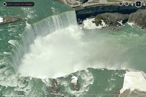 Bing Maps kann mit zahlreichen neuen Birds-Eye-View-Aufnahmen aufwarten, im Bild die Niagaraflle.