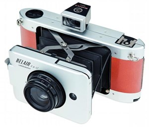 Neuestes lomografisches Werkzeug: die Belair X6-12, eine Mittelformatkamera mit wechselbaren Objektiven. Kostenpunkt: ab 249 Euro. 