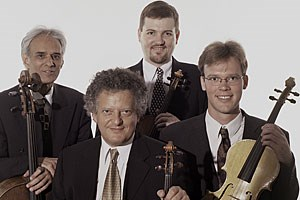 Mussten der akustischen Rohgewalt weichen: das Arditti-Quartett. 