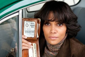 "Journalistin Luisa Rey kommt 1973 einem Killer in die Quere: Halle Berry in ""Cloud Atlas"" von Tom Tykwer und Lana und Andy 