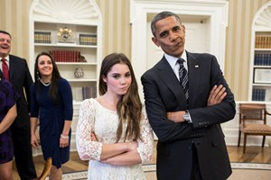 McKayla Maroney und Barack Obama beim Schnoferlziehen.