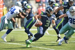Size doesn't matter. Russell Wilson sieht zwar kaum ber seine eigene O-Line, sein NFL-Handicap ist trotzdem auf 0. Neujahrswunsch: Falkenduell im Divisional Playoff.