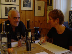 """Reden und Schnaps trinken: Vene Maier mit Eva Rossmann in der """"Alten Schule"""""""