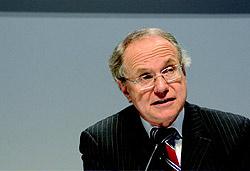 Zur Person: Burkhard Göschel (60), Mitglied des Vorstands der BMW AG, Entwicklung und Einkauf (seit März 2000)
