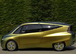 """... und schließlich als """"Bionic Car""""."""