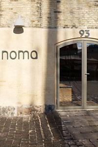 Hier geht's ins angeblich beste Restaurant der Welt: Noma.Und hier gibt's ein komplettes Noma-Menü in Bildern - leider ohne Geschmack und Geruch.