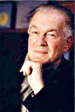 """Gene Sharp ist der Gründer der Albert Einstein Institution. Er schrieb die """"Do-it-Yourself-Anleitung"""" für gewaltfreie Aufstände. """"The Politics of Nonviolent Action (1973)"""" liefert einen handlungsorientierten Ansatz zu gewaltfreier Aktion. Sharps Buch soll mehrere Demokratisierungsbewegungen beeinflusst haben, wie zum Beispiel in der DDR, in der Ukraine, in Kirgisien und auch in Ägypten."""