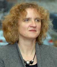 Beate Eschment ist wissenschaftliche Mitarbeiterin an der Forschungsstelle Osteuropa der Universität Bremen mit Schwerpunkt Kasachstan/Kirgisien. Seit 2008 ist sie Redakteurin der Zentralasien-Analysen.