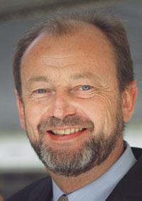 """""""Schmerztherapeuten werden nicht dadurch zu Experten, dass sie ein Suchmittelrezept ausfüllen"""": Hans-Georg Kress plädiert für die Einführung des Sonderfaches Schmerzmedizin."""