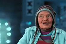 """Trude Fukar als """"Oma Putz""""."""