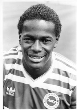 Justin Fashanu (* 19. Februar 1961 in Kensington; † 2. Mai 1998 in Shoreditch)