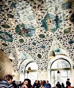 """Der schöne Raum wird jetzt von den Betreibern des Restaurants """"Tancredi"""" bespielt."""