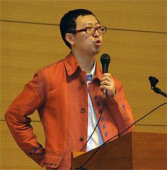 """""""Viele Nikkeijin sind massiv gekränkt und verletzt"""": Angelo Ishi, selbst ein Nikkeijin, lehrt Soziologie an der Musahi Universität in Tokio"""