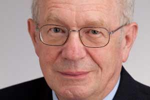 HELMUT FUCHS ist seit 1986 Professor für Strafrecht sowie Vorstand des Instituts für Strafrecht am Juridicum - 1292484660084