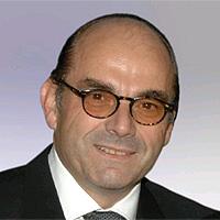 Peter Kohek ist Facharzt für Chirurgie und Arbeitsgruppenleiter für Hyperthermie und chirurgische Onkologie an der Medizinischen Universität Graz.