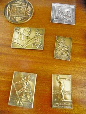 Einige Medaillen hob sie auf, einige schenkte sie einem Museum.