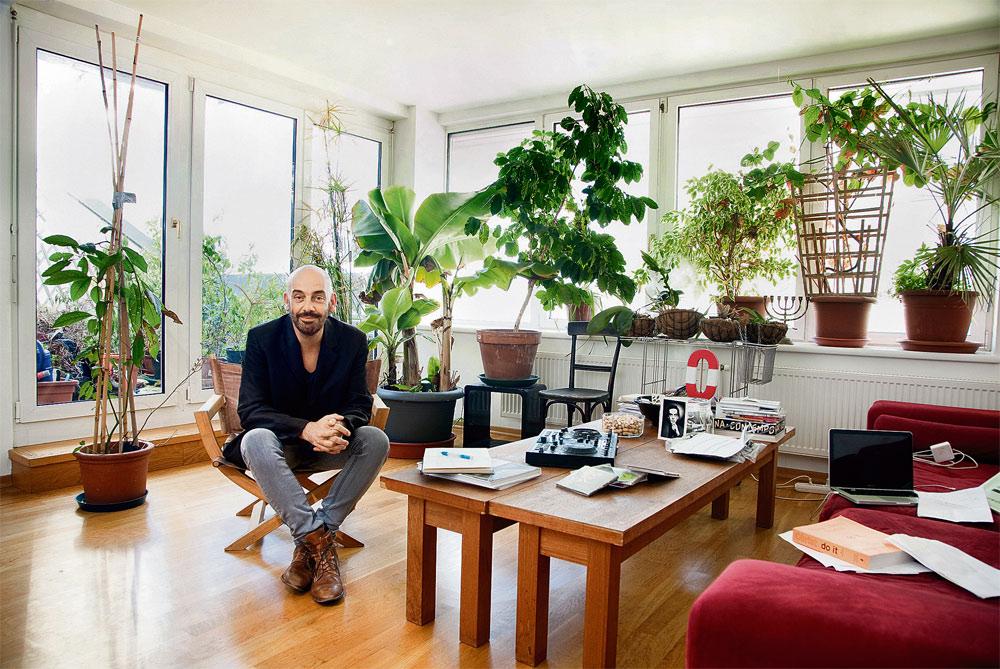 Das Ist Wirklich Nicht Der Ergonomischste Arbeitsplatz Den Man Sich Viele Pflanzen Im Wohnzimmer