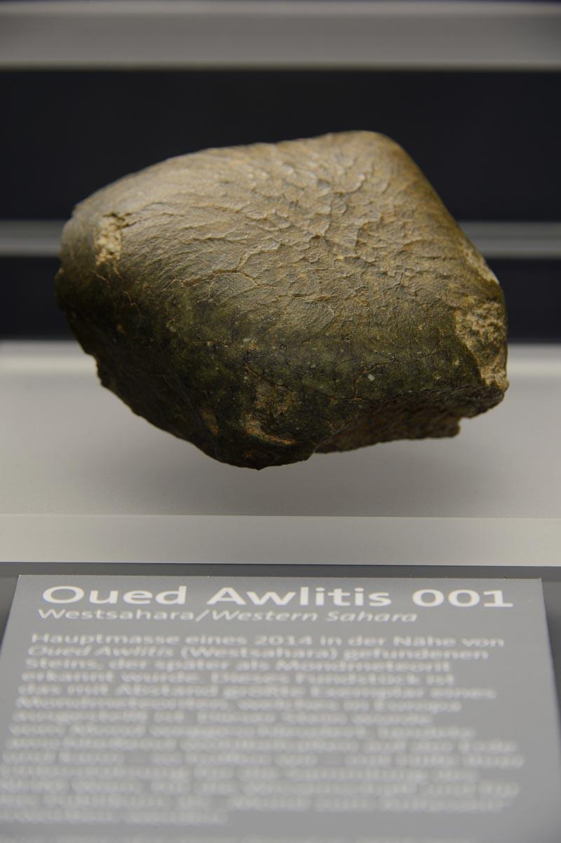 Mondmeteorit-Oued-Awlitis.jpg