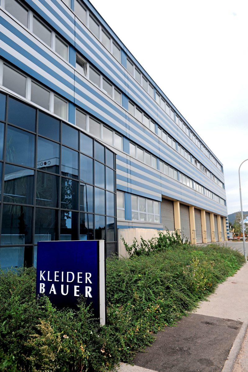 kleider bauer will insolvente deutsche modekette w hrl kaufen unternehmen. Black Bedroom Furniture Sets. Home Design Ideas