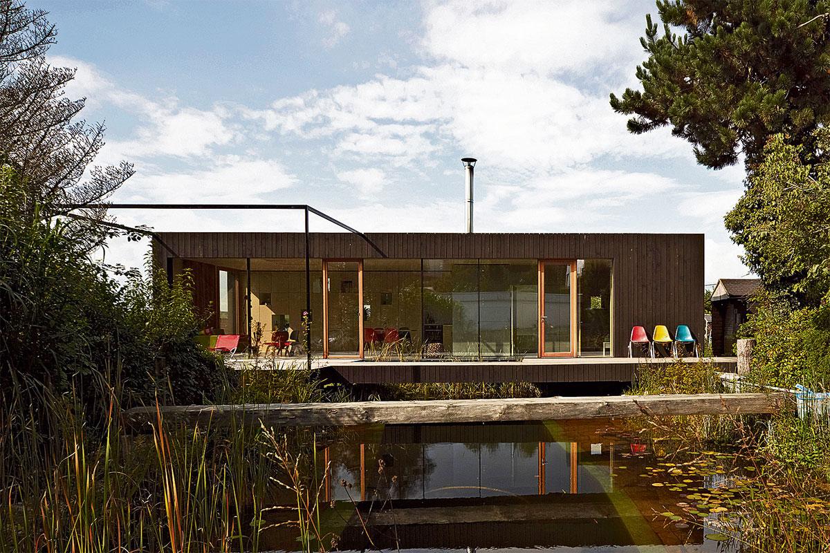 Wasser als bedrohung und luxus nahe am wasser gebaut for Holzcontainer zum wohnen