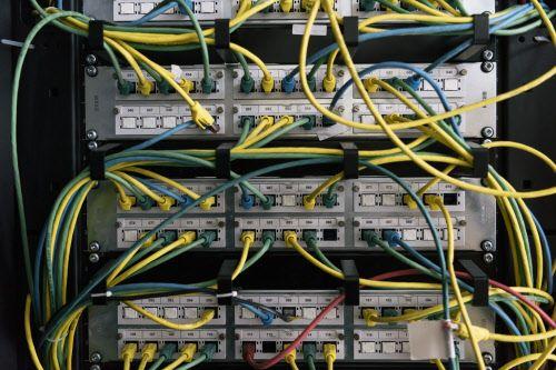 Von Hackern und Hochstromleitungen