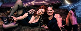 foto: annie sprinkle & beth stephens marry the soil--a dirty ecosexual wedding - 1.5. beim donaufestival 2014
