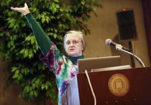 Elinor Ostrom ist Politikwissenschaftsprofessorin an der 