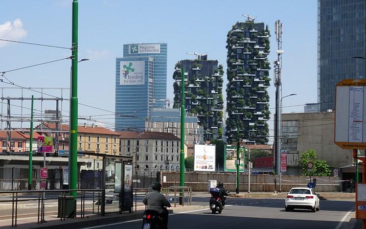 Bosco verticale in mailand inspiriert von hundertwasser for Architektur mailand