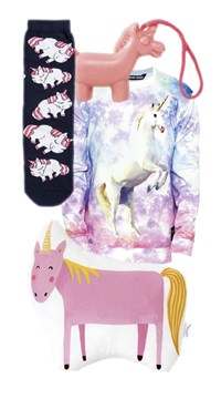 Wenn schon Einhorn, dann kitschig: Socken von Monki, Seife von Asos, Sweater vom Dawanda-Shop Breakingrocks, Kissen von The Fox in the Attic bei Etsy.