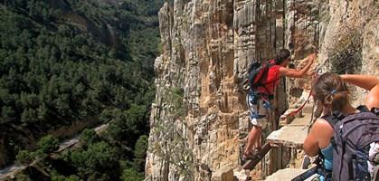 foto: de.wikipedia.org/wiki/caminito_del_rey#mediaviewer/file:caminito_del_rey_4.jpg/