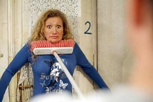 Wenn es eng wird, mitten im Achten: Angelika Niedetzky in der sechsten Folge, die am Dienstag ausgestrahlt wird.
