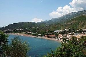 Budva ist, nicht zuletzt wegen der großen Zahl an schönen Stränden, das touristische Zentrum Montenegros.