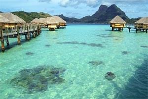 Im Pearl Beach Resort & Spa in Bora Bora sorgt man für Korallennachwuchs in der großartigen Lagune.