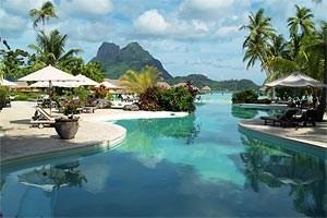 """Das Pearl Beach Bora Bora gehört zur Gruppe der """"Leading Small Hotels of the World"""" und bietet höchsten Komfort mit einem polynesischen Touch."""