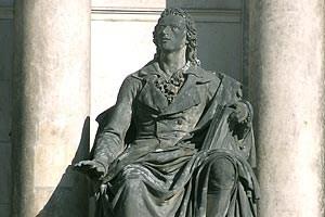 Mehr von Dresden gibt's in der Ansichtssache zu sehen.