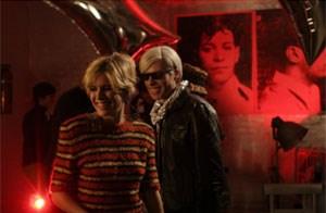 "Sienna Miller und Guy Pearce geben Edie und Andy in George Hickenloopers ""Factory Girl"" ."