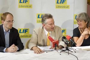 Bundessprecher Alexander Zach und Chefin Heide Schmidt präsentierten ihren Spitzenkandidaten für Niederösterreich: Rudolf Berger.