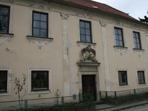 Der Pfarrhof in Radlbrunn.