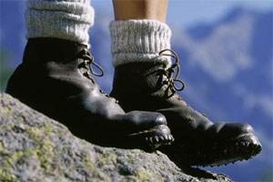 Die Aussicht vom felsigen Gipfel sucht ihresgleichen weit und breit.