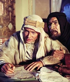"""Männer, die das Schicksal selbst in die Hand nehmen wollen: Peter O'Toole und Anthony Quinn in David Leans Opus magnum """"Lawrence von Arabien""""."""