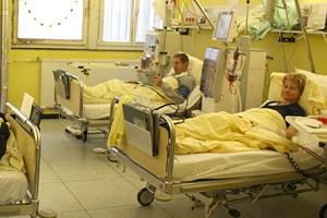 Dialysepatienten in Zimmer C 046